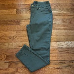 NWOT green d. jeans